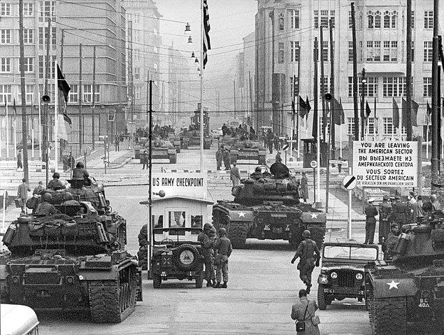 Берлінська криза9