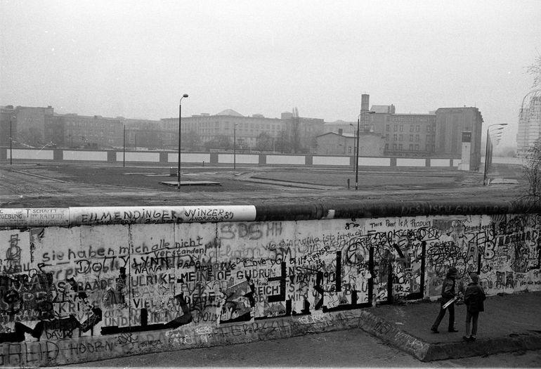 Берлінська стіна - архів