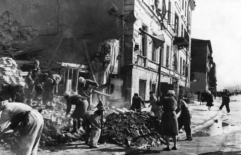 Бобмардування Ленінграда