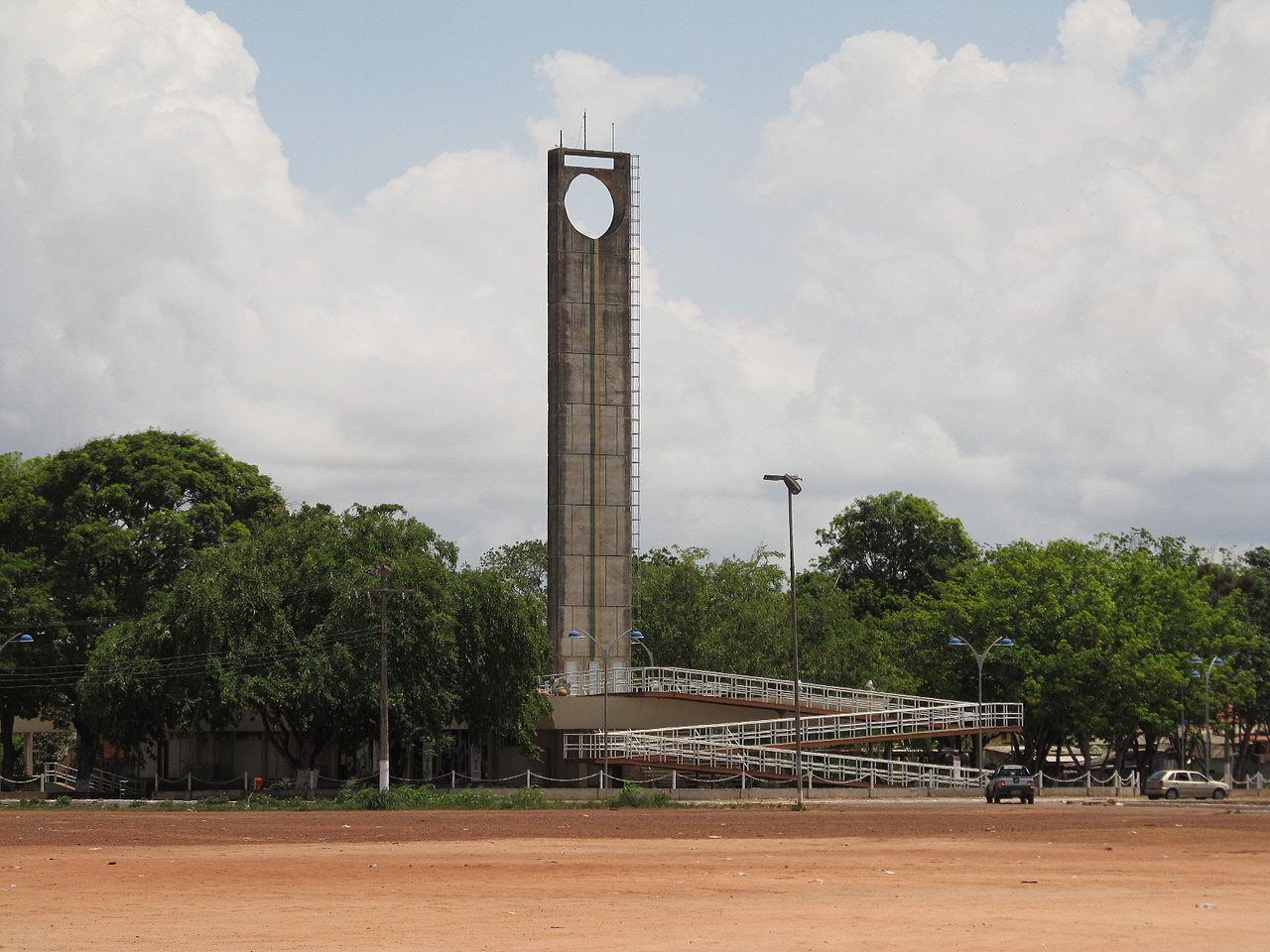 Лінія екватора у місті Макапі