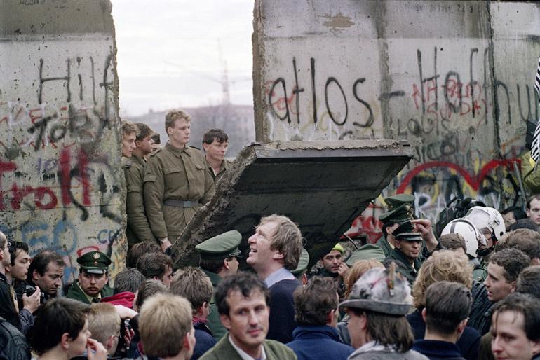 Падіння Берлінської стіни