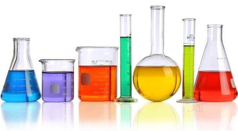 Хімічний лабораторний посуд - колби, пробірки