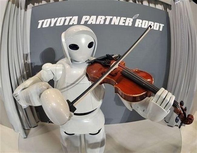 Робот-скрипаль від Toyota Motor